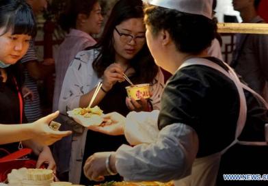 Nocny market i tradycyjne potrawy