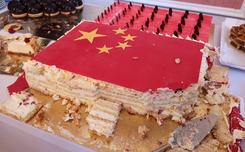 Tort z chińską flagą