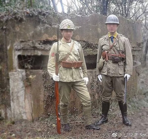 Dwóch Chińczyków przebranych za japońskich żołnierzy